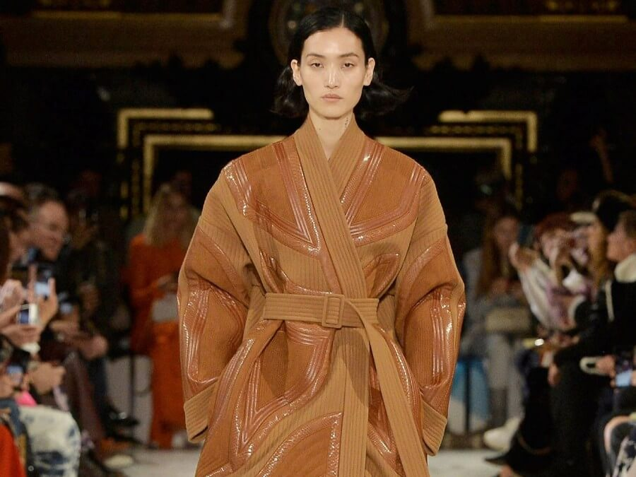 Stella Mccartney Calls Out Designers Still Using Leather Raises Awareness For Rainforests Too The Vegan Company